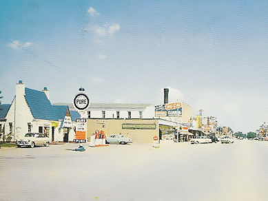 Pure Oil filling station (1950s)